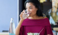 Effects of Drinking Water on a Diet image