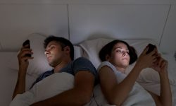 How to Stop Your Partner From Phubbing image